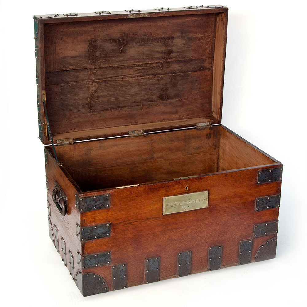 Iron Clad Polished Oak Silver Chest with Royal Association